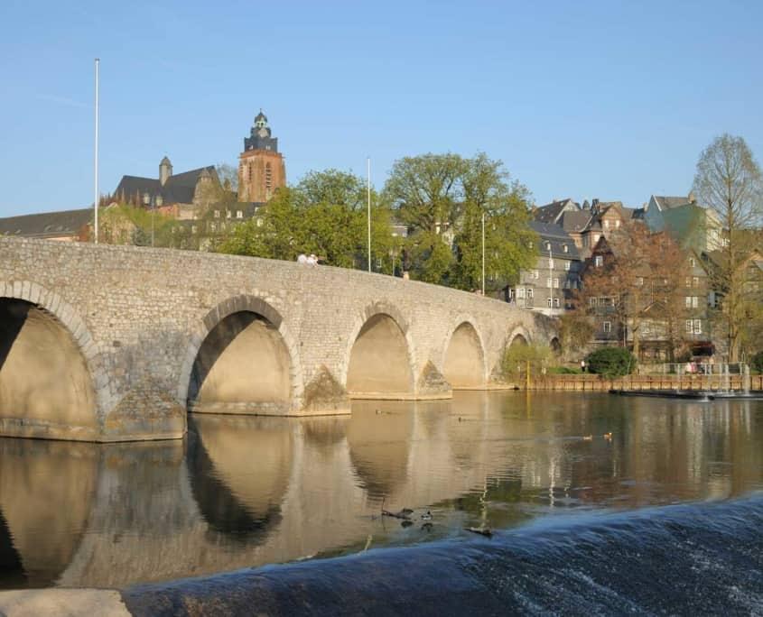 Für einen Ausflug vom Hotel Altes Eishaus eignet sich die in der nähe gelegene Altstadt von Wetzlar ausgezeichnet. Hier können unsere Hotelgäste Kultur und kulinarische Genüsse hautnah erfahren.