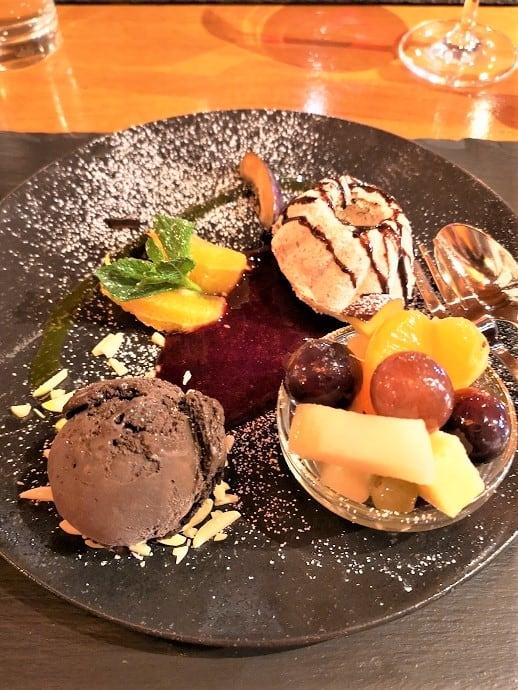 besondere desserts im eishaus
