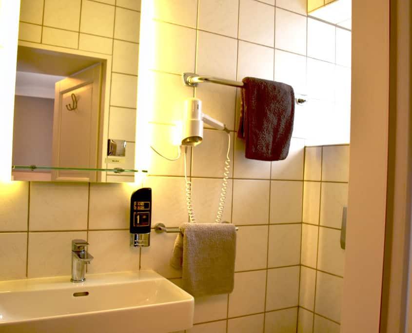 bad hotel zimmer 21 klassik