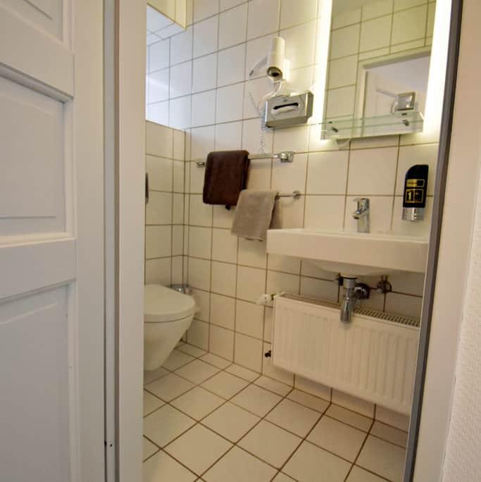 Beispiel für Bäder der Hotelzimmer Kategorie Klassik