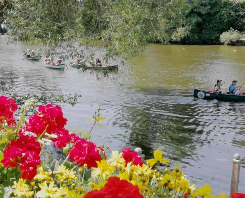 Paddler auf der Lahn bei Gießen